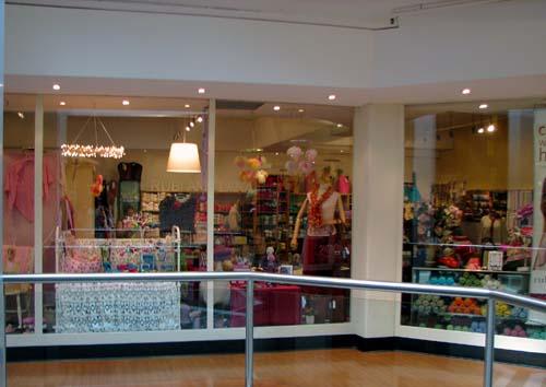 Rubi_and_lana_storefront_3