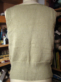 Knitty_city_shell_back